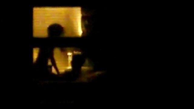 Sexy videos pornos fakings gratis Rebecca - Cámara espía oculta en el baño