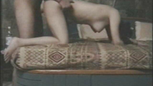 Hot Sicilia sorprende a la turista Katana con sexo lésbico en público ver videos faking