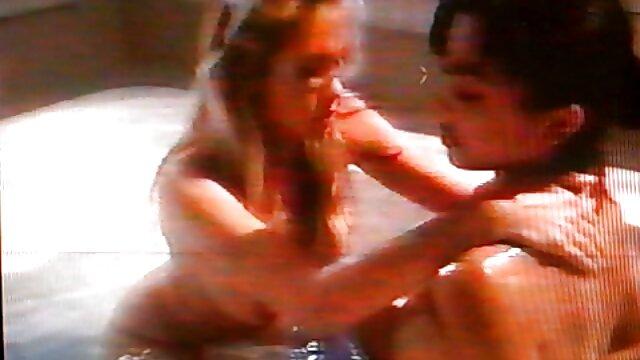 ¡Milf tetona Deauxma usa plug anal y consolador de 4 videos faking completos pulgadas para chorrear!