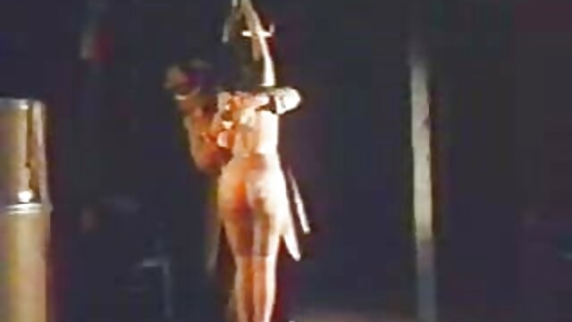Hermosa adolescente se masturba con ver videos de fakings un calabacín orgánico