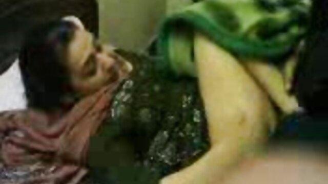 Juego matutino - escena lésbica con Taissia Shanti videos gratis de follatelos y Al